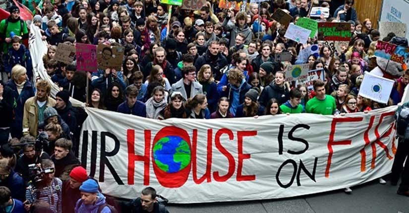 German Teens join Greta Thunberg in her climate fight in Berlin