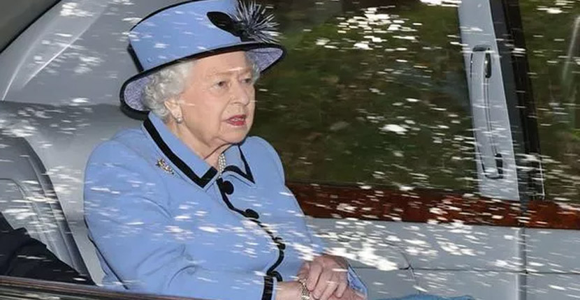 Queen heads to church service at Balmoral with royals