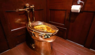 Gold Toilet Stolen From the U.K's Blenheim Palace, Birthplace of Winston Churchill